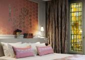 luxury suite in parisien hotel