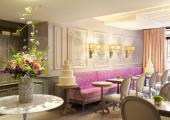 Breakfast area elegant style hotel Favart Paris