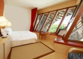 Unique hotel suite marques de riscal