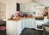 charming cottage to rent kitchen rustic deco