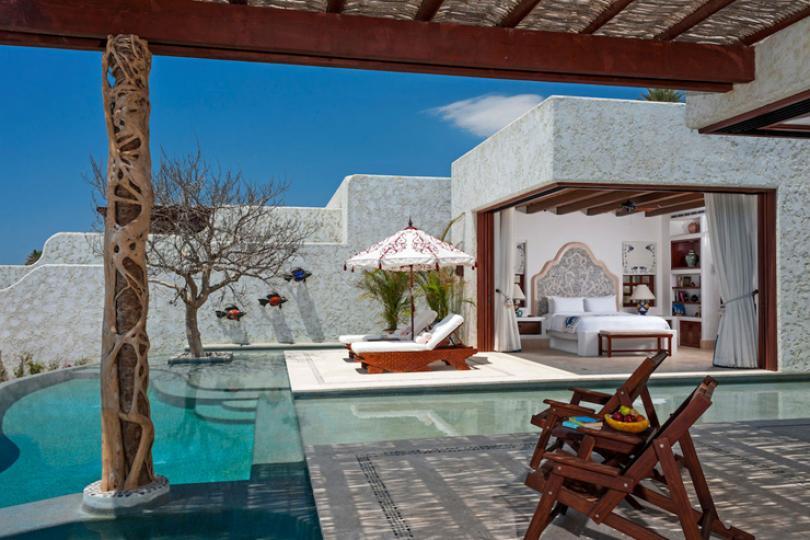 luxury villa rental in Mexico