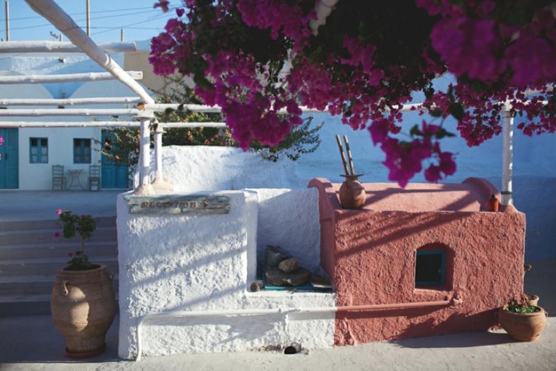 santorini hostel cheap accommodation