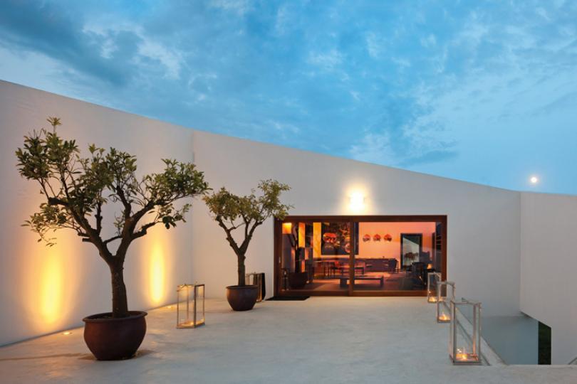 modern luxury contemporary hotel vineyards