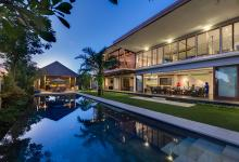 Super Holiday Luxury Villa in Canggu, Bali