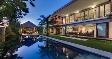 Super Holiday Luxury Villa in Canggu, Bali