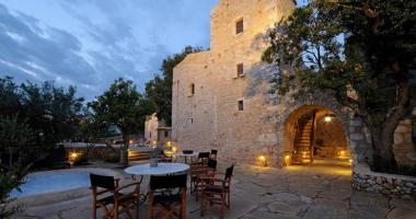 deluxe five star hotel in greece