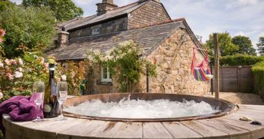 rustic cozy cottage to rent cornwall england