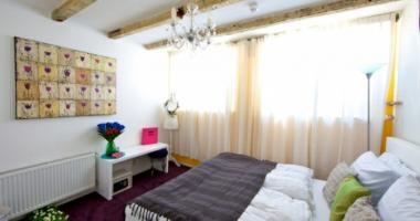nice interior decoration hostel room in Amsterdam cocomama