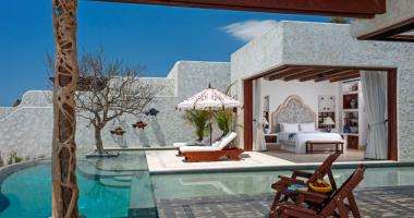 luxury villa rental in Mexico