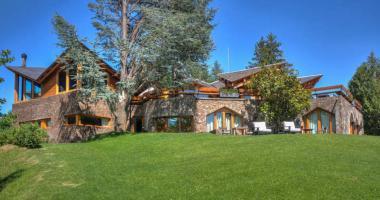 luxury rustic villa cerdanya spanish catalonia pyrenees